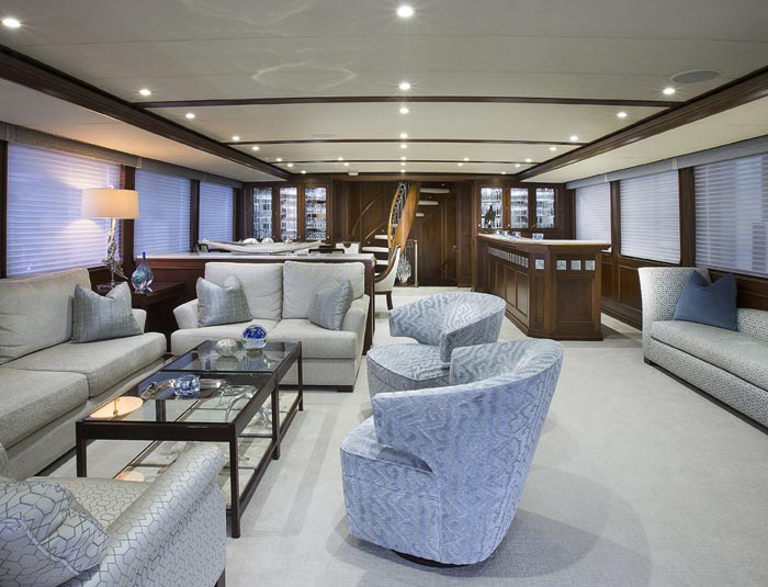 Hargrave Yaucht Life Of Reilly Yacht Interior Bath